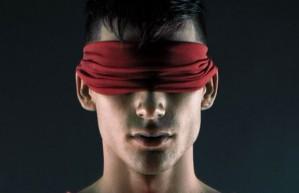venda nos olhos